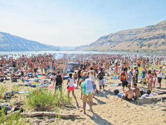 Illia Dunes is closed until further notice due to health and safety concerns caused by visitors' trash. During Aug. 25-26, more than 3,000 people visited the dunes, located on the Snake River.