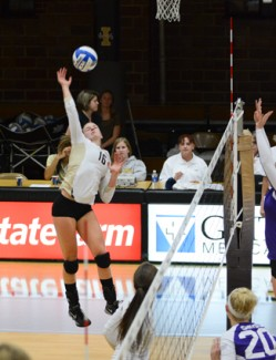 Tony Marcolina | Argonaut Outside hitter Katelyn Peterson earned a point during Monday's match against Grand Canyon in Memorial Gym. The Vandals came out on top with a 3-0 win.