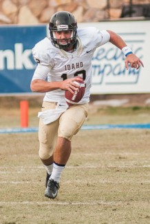 Ilya Pinchuk   Courtesy Quarterback Taylor Davis runs the ball during the game against New Mexico State Saturday at Las Cruces, N.M. The Vandals lost to the Aggies 24-16 in their season finale, finishing the season with a 1-11 overall record.