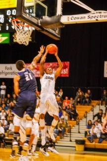 Jay Anderson | Argonaut Sophomore Perrion Callandret was the lead scorer aganist UC Davis Saturday Dec. 6. Idaho beat UC Davis 77-71 at the Cowan Spectrum.