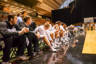 Jay Anderson | Argonaut Idaho men's bench late in the second half. Idaho beat UC Davis 77-71 on Saturday Dec. 6, at the Cowan Spectrum.