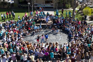 Kira Hunter | Argonaut Idaho sorority Alpha Phi wins a race against Alpha Gamma Delta sorority and Pi Beta Phi sorority during fraternity Phi Delta Theta's 57th annual Turtle Derby held during Moms' Weekend at the University of Idaho. Proceeds from the event went to Milestone Decisions Inc.